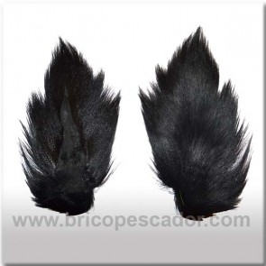 Bucktail completo teñido. Color negro.